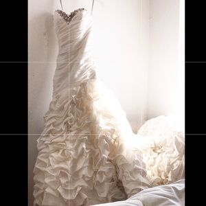 Alfred Angelo Disney Collection Wedding Dress